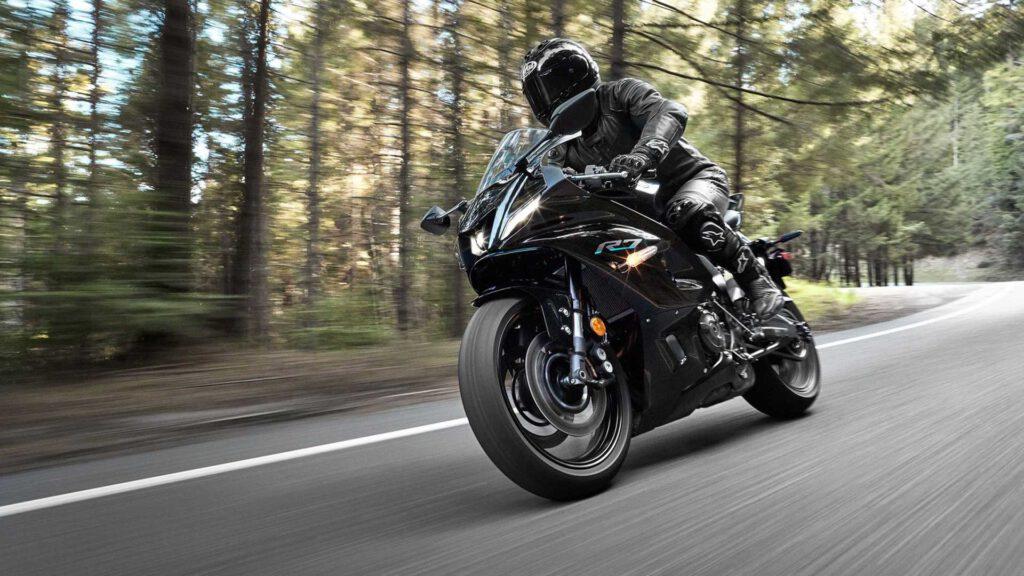 Yamaha R7 Siyah