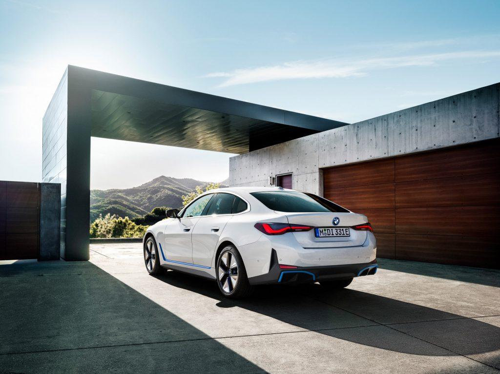 BMW i4 eDrive 40 Arka Görünüm
